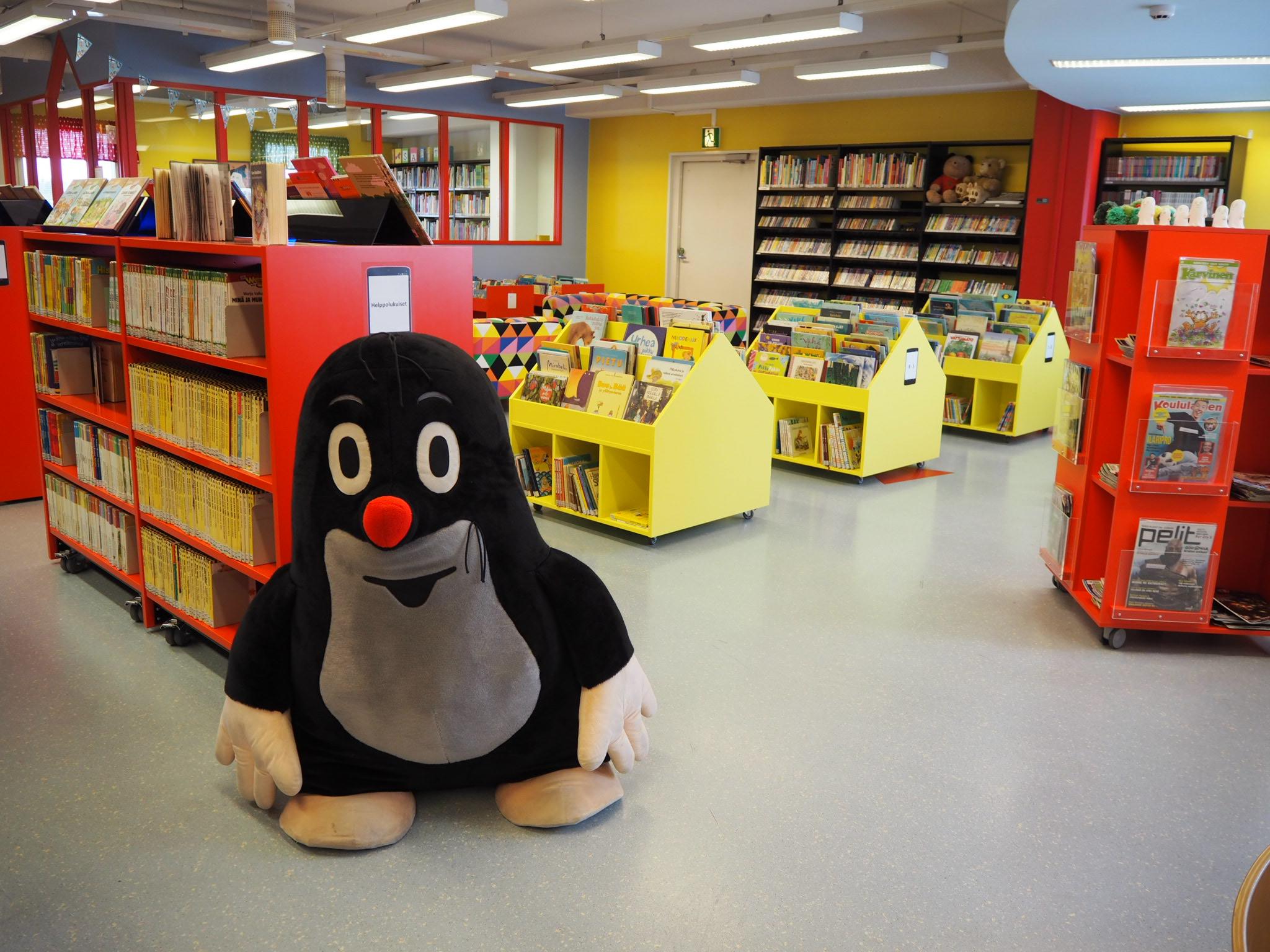 Kuvassa Kempeleen kirjaston lastenosasto.
