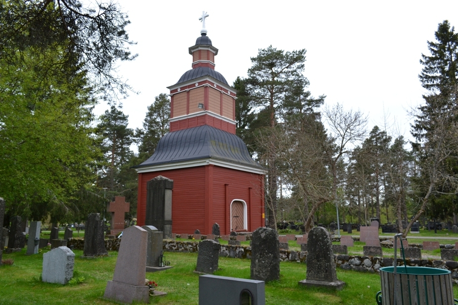 Kuvassa Kempeleen hautausmaa.